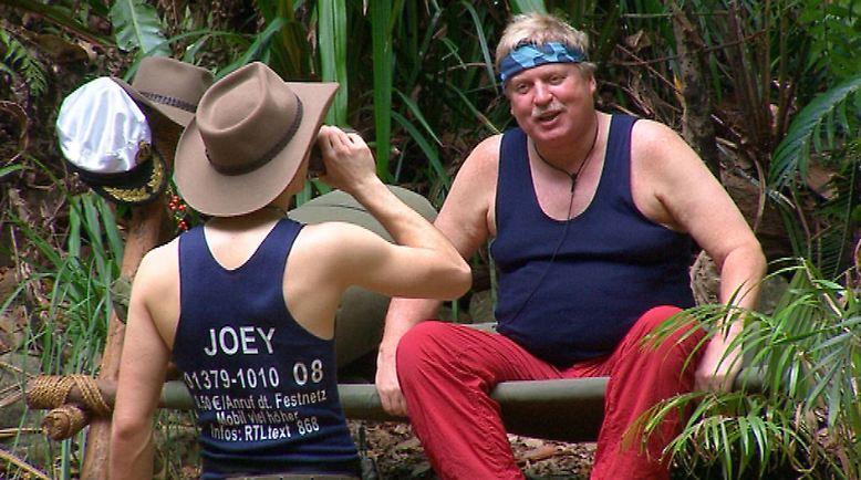 Klaus Baumgart mit Joey Heindle.