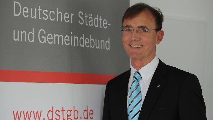 Gerd Landsberg möchte die Gewerbesteuer für Freiberufler einführen.