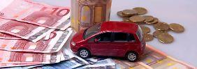 Kfz-Versicherung via Internet: Drum prüfe, wer sich online bindet