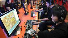 Angeblich sind 33 Millionen junge Chinesen süchtig nach Internetspielen.